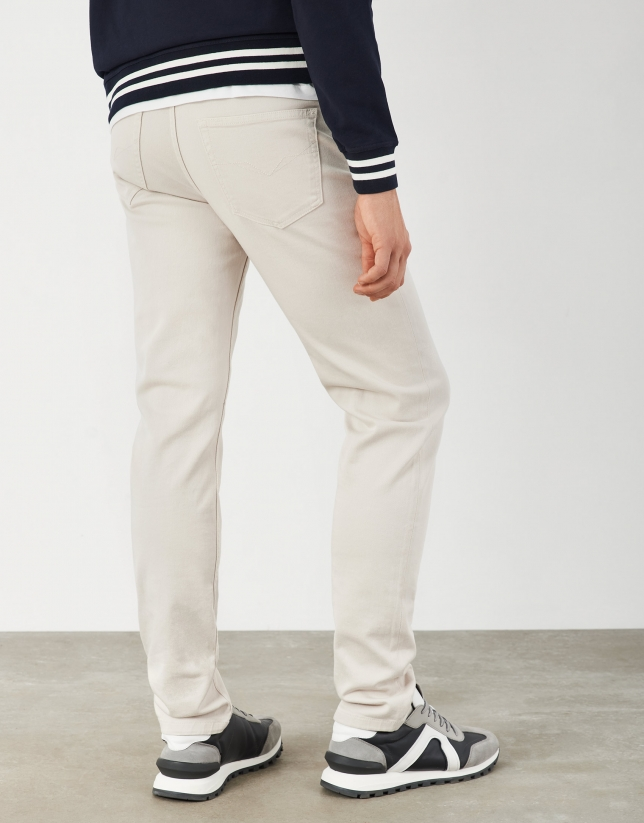 Natural white pants with five pockets