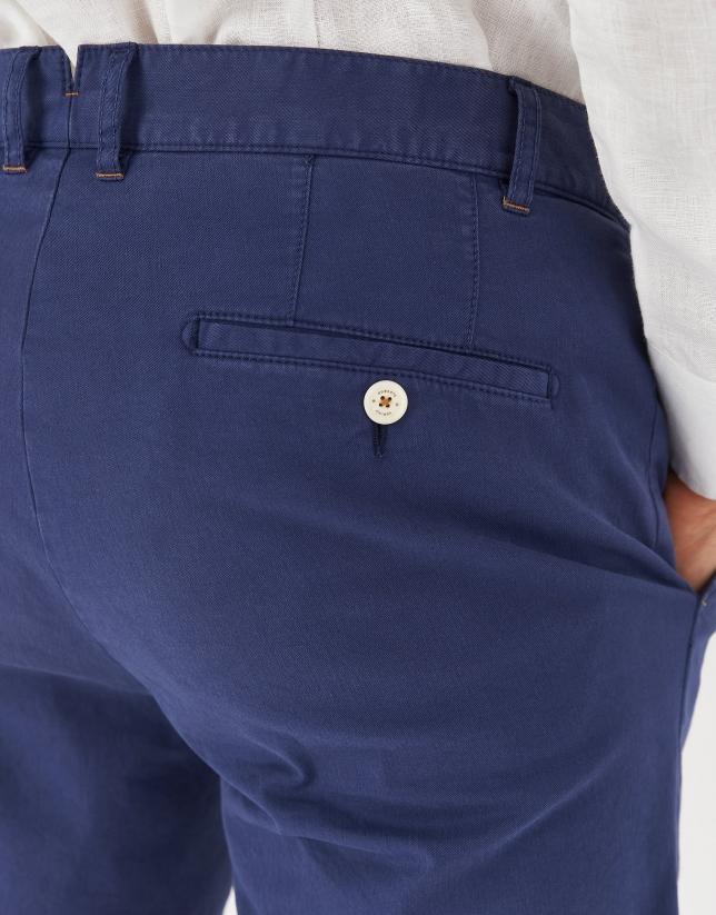 Dyed navy blue cotton bermudas