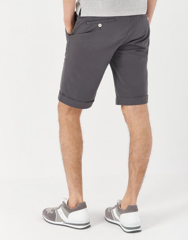 Bermuda algodón tintado gris
