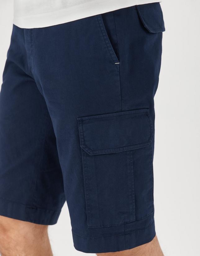 Navy blue cargo bermuda pants