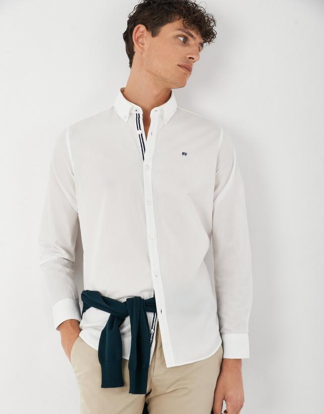 White poplin sport shirt
