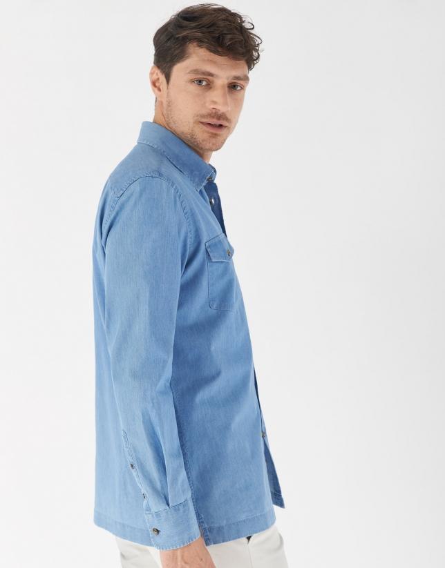 Camisa vaquera azul claro lavado
