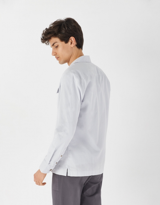Gray Guayabera-type shirt with long sleeves