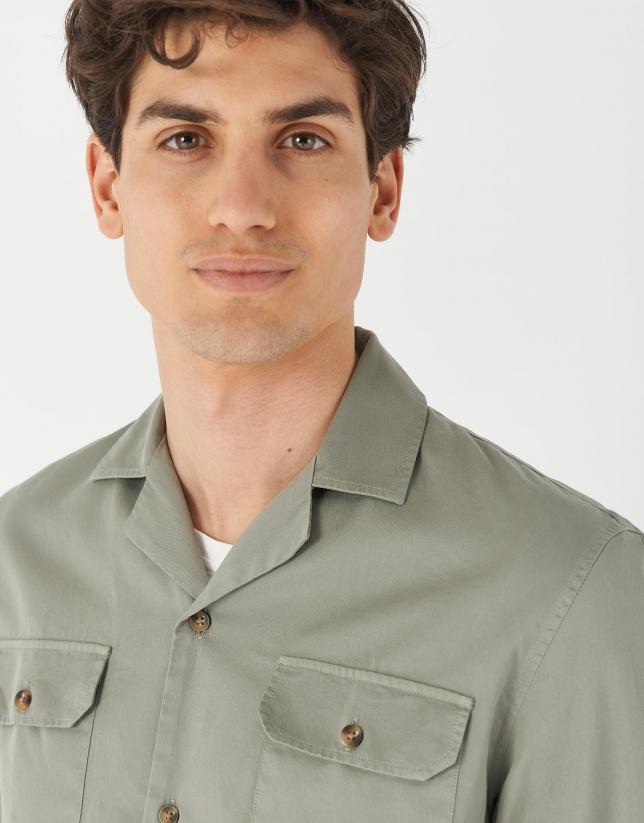 Green caqui Guayabera-type shirt with long sleeves