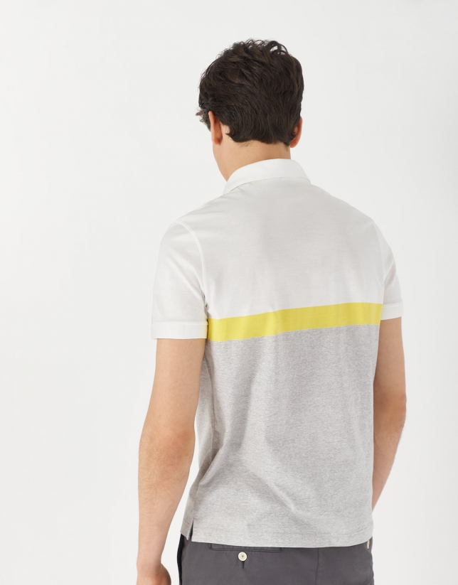 White piqué polo shirt with gray and yellow stripes