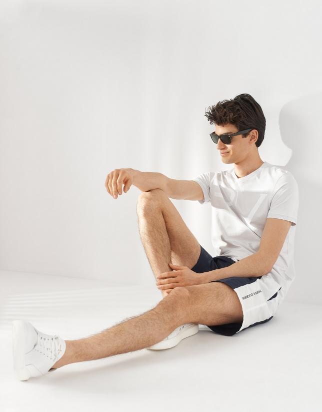 Camiseta algodón gris logo RV blanco