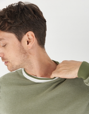 Khaki sweater with white contrasting collar