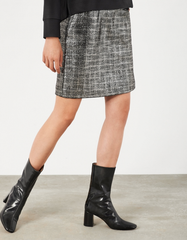 Short shiny silver skirt