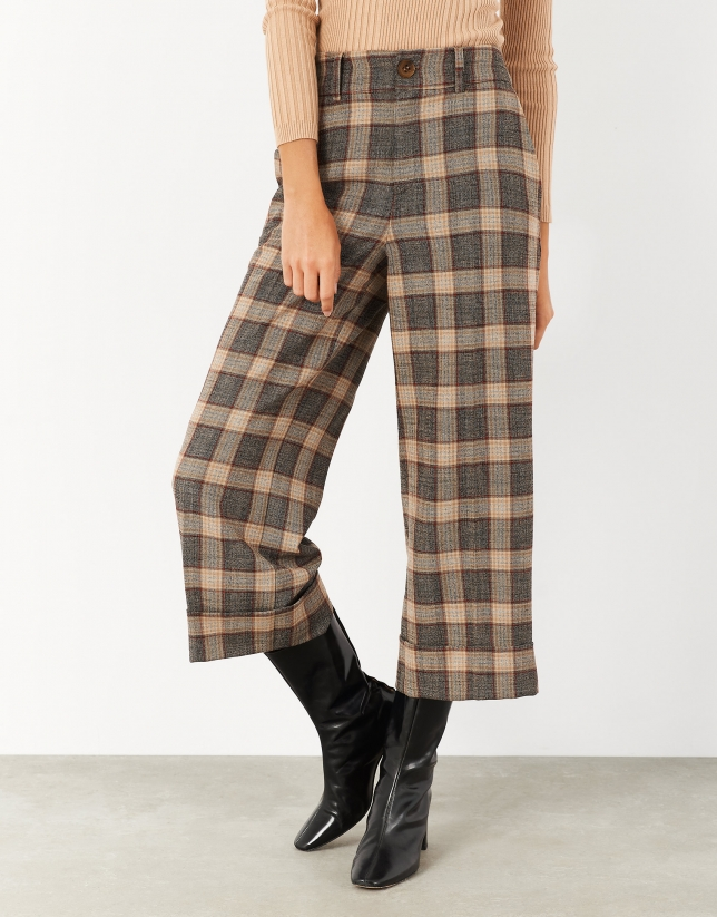 Brown checked cropped pants