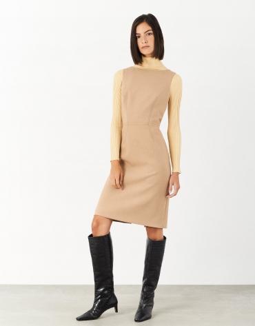 Vestido recto sin mangas cámel