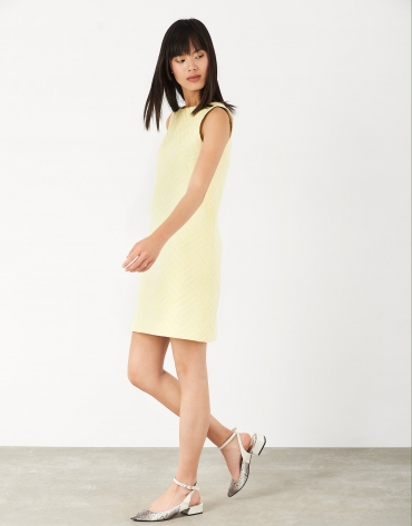 Straight dress with yellow jacquard