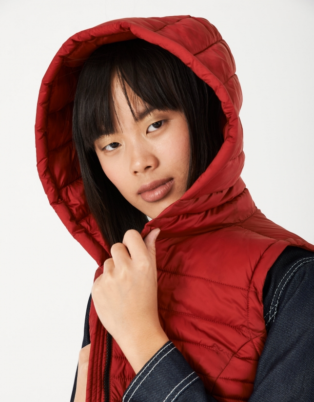 Burgundy quilted vest with hood