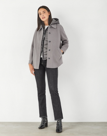 Gray short quilted and cloth jacket, with full cut