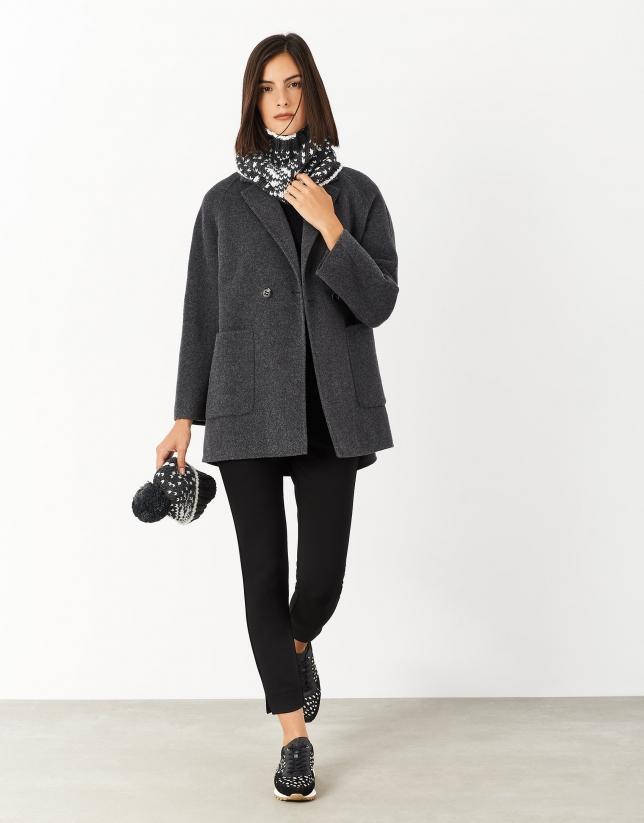 Abrigo corto gris doble botonadura