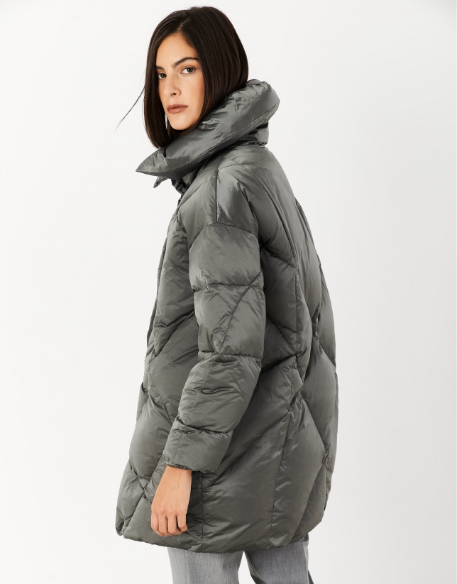 Gray quilted windbreaker with large collar