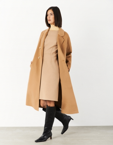 Long camel wool double-breasted coat