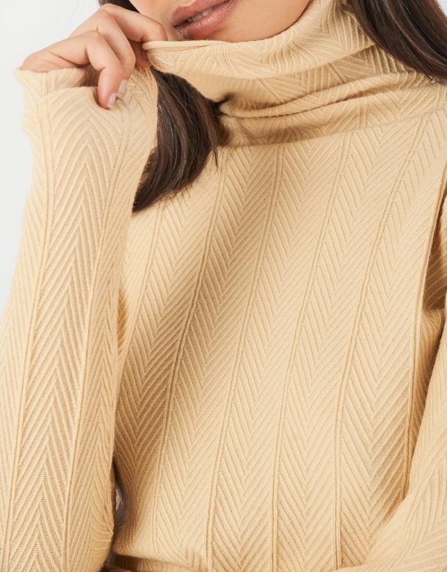 Yellow herringbone sweater with ribbing