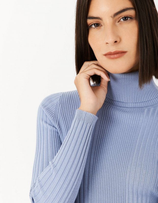 Blue sweater with turned back collar and ribbing