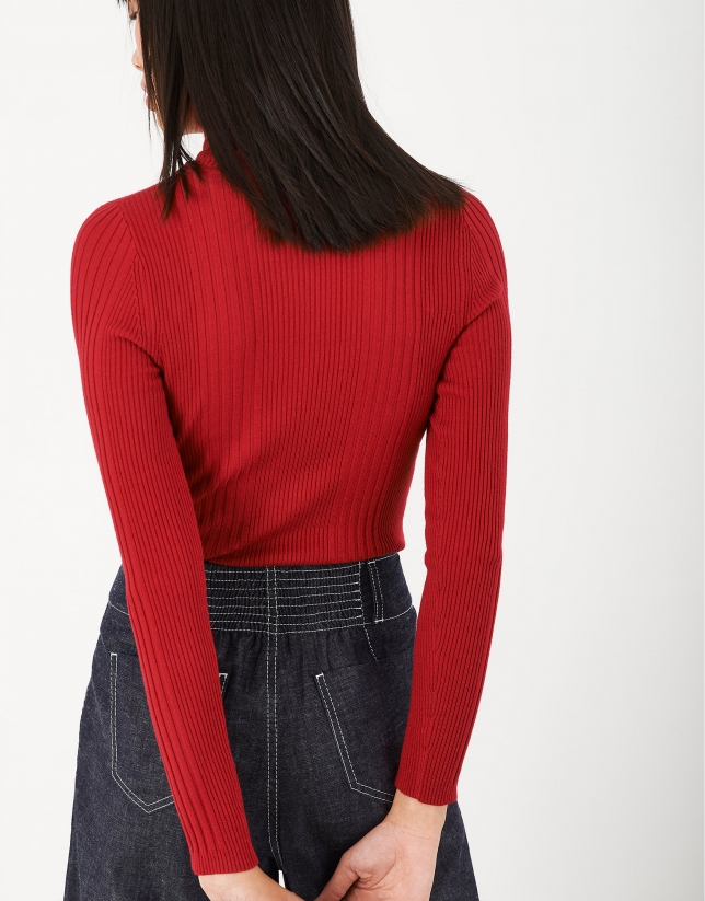 Red sweater with turned back collar and ribbing