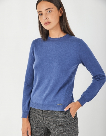 Blue assymetric sweater with fine knit
