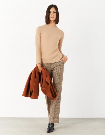 Beige marbled sweater with raglan sleeves