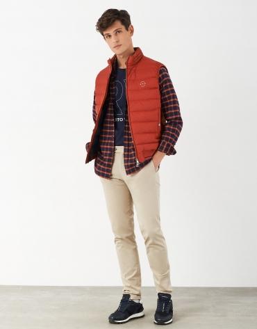 Pantalón chino algodón beige regular fit