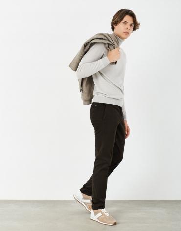 Pantalón chino algodón marrón oscuro