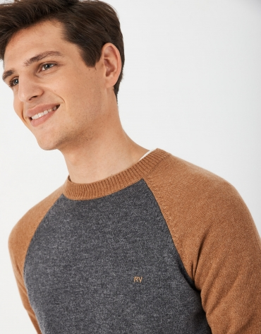 Camel and gray two-color sweater