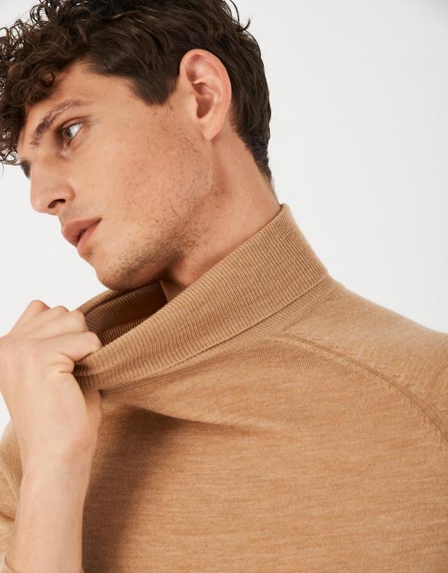 Camel wool turtle neck sweater