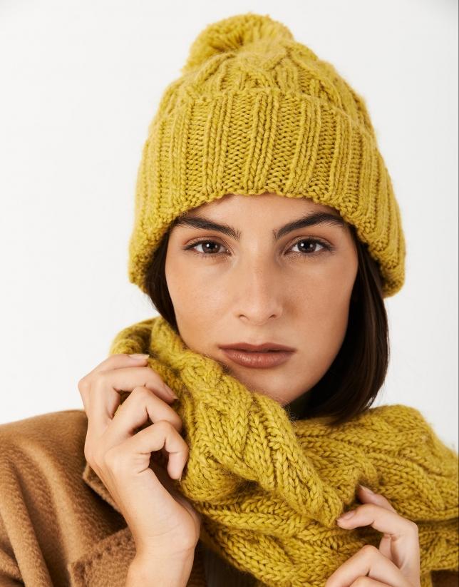 Mustard wool cap with woven figure eight pattern