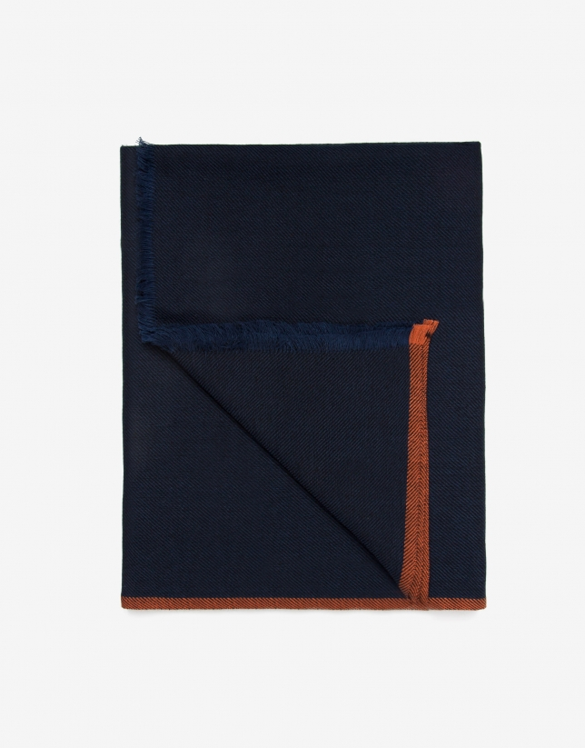 Fular azul con laterales naranjas