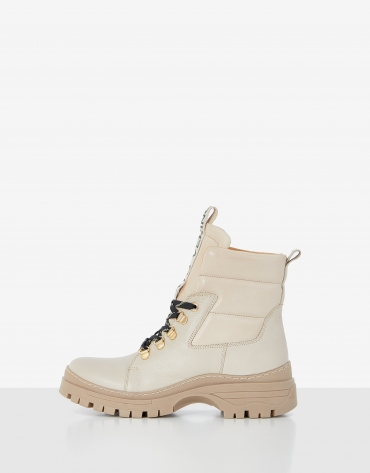 Beige mountain boots