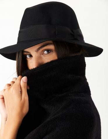 Sombrero fedora fieltro negro cinta a tono